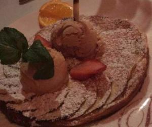 Nos petites gâteries 9 €     Tous nos desserts sont faits maison et nos glaces sont artisanales.